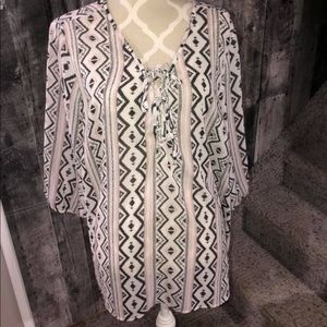 Light weight blouse in EUC